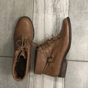 Steve Madden Leather Lace Boots- Tan- Size 7
